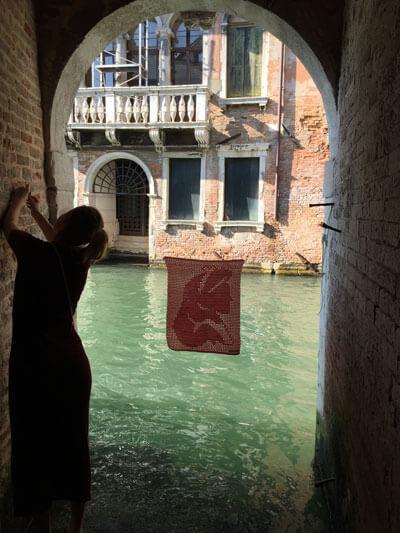 Yarn Bombing Venecia Alimaravillas