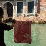 yarn bombing venecia crochet
