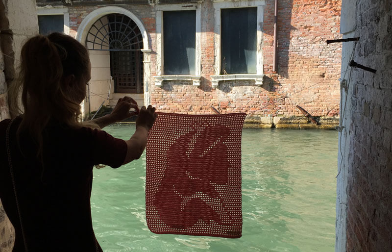 yarn bombing venecia crochet